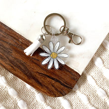 Load image into Gallery viewer, Daisy Keychain 1.75x1.75 in.