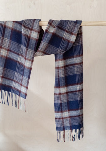 Lambswool Scarf in Navy Heritage Check