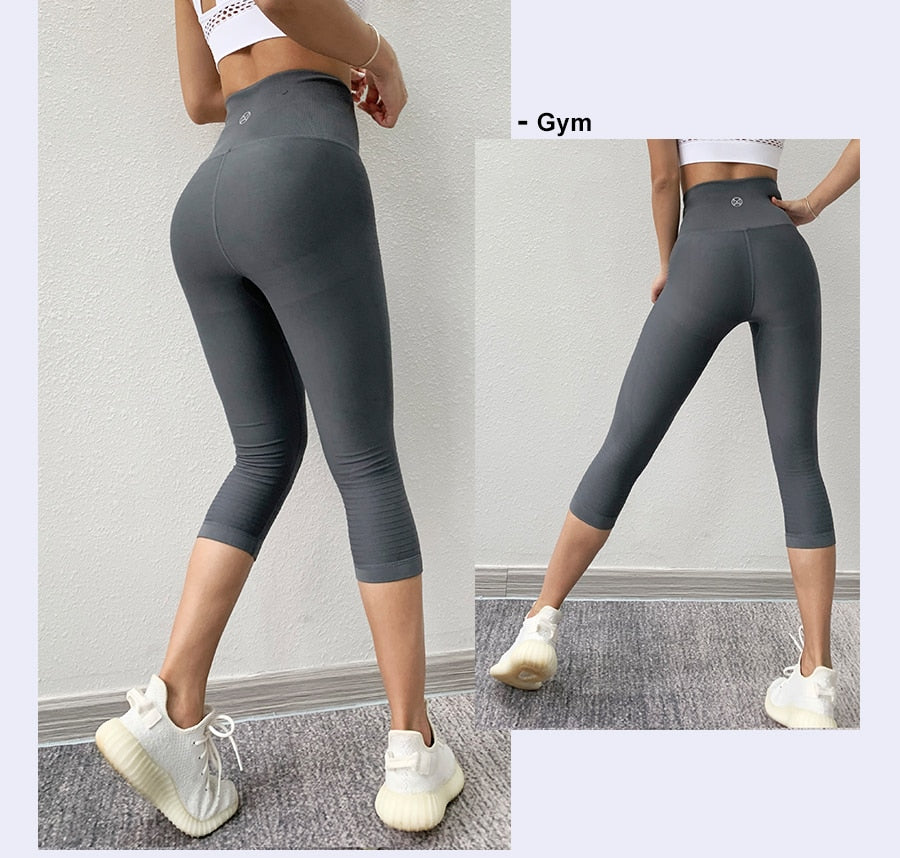 Women Fitness Gym Tights / Elastic 3/4 Pants