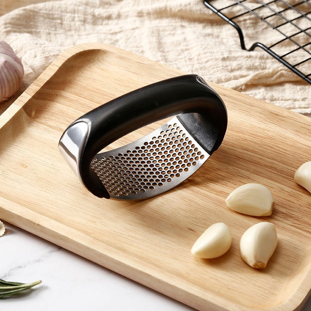 Manual Garlic Presser - gadgets4chef