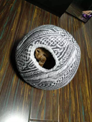 Spherical Cat House with Round Opening - RAPBLUE
