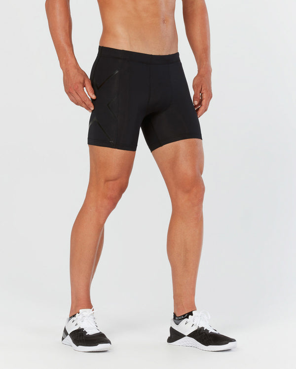 COMPRESSION 1/2 SHORTS