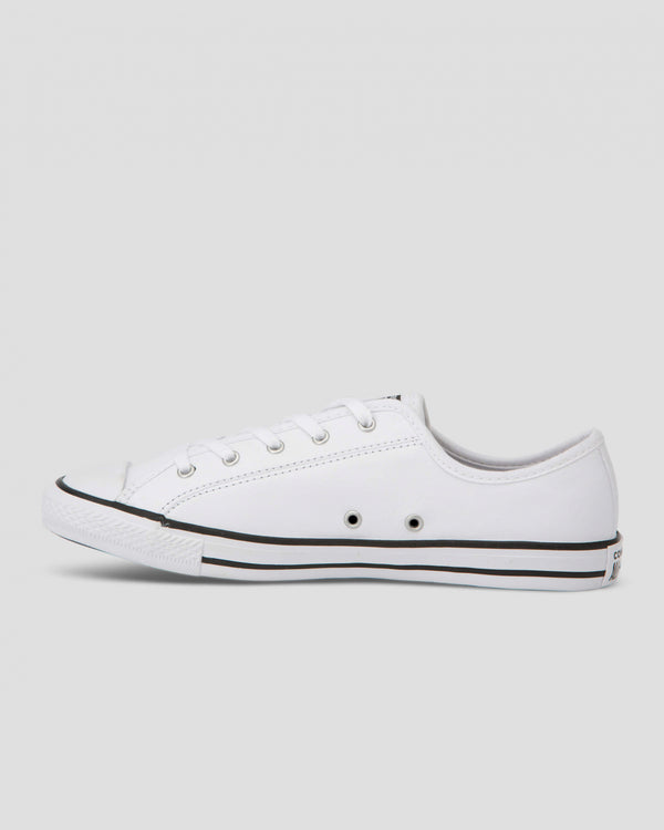 CHUCK TAYLOR DAINTY LEATHER LOW