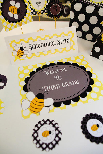 Happy Honeybee Welcome Door Sign