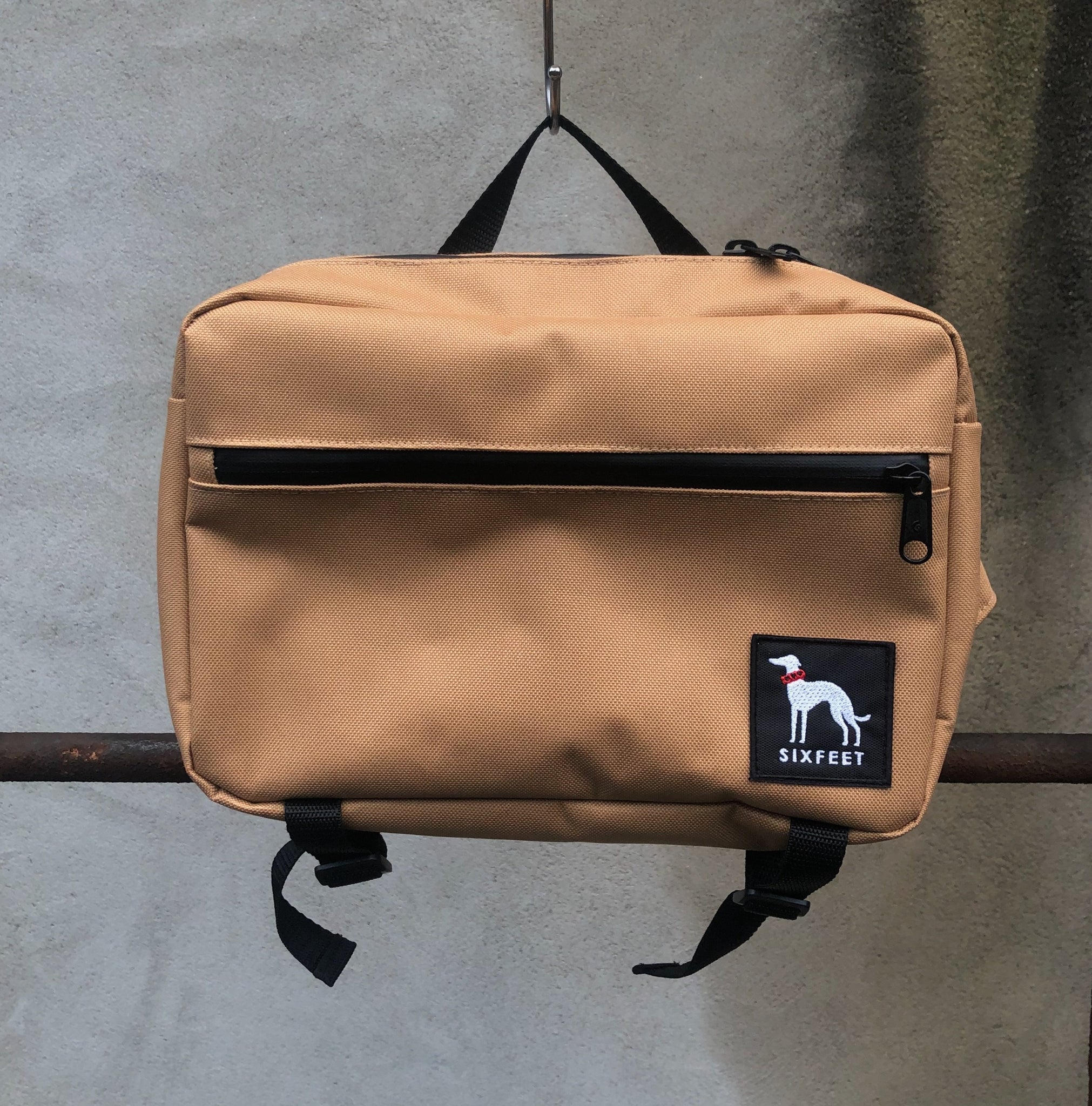 Waterproof walkbag - beige - sixfeetdogwear