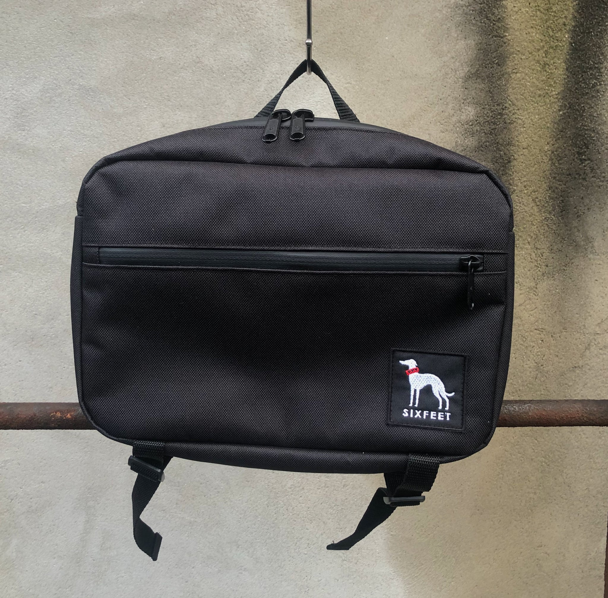 Waterproof walkbag - black