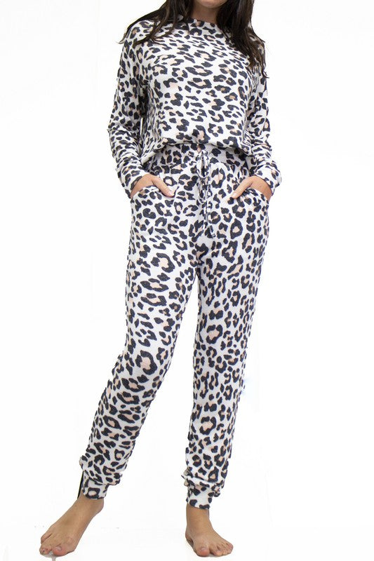 Fornia Leopard Lounge Set