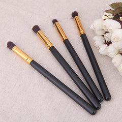 4Pcs Makeup Cosmetic Tool Eyeshadow Powder Foundation Blending Brush Set