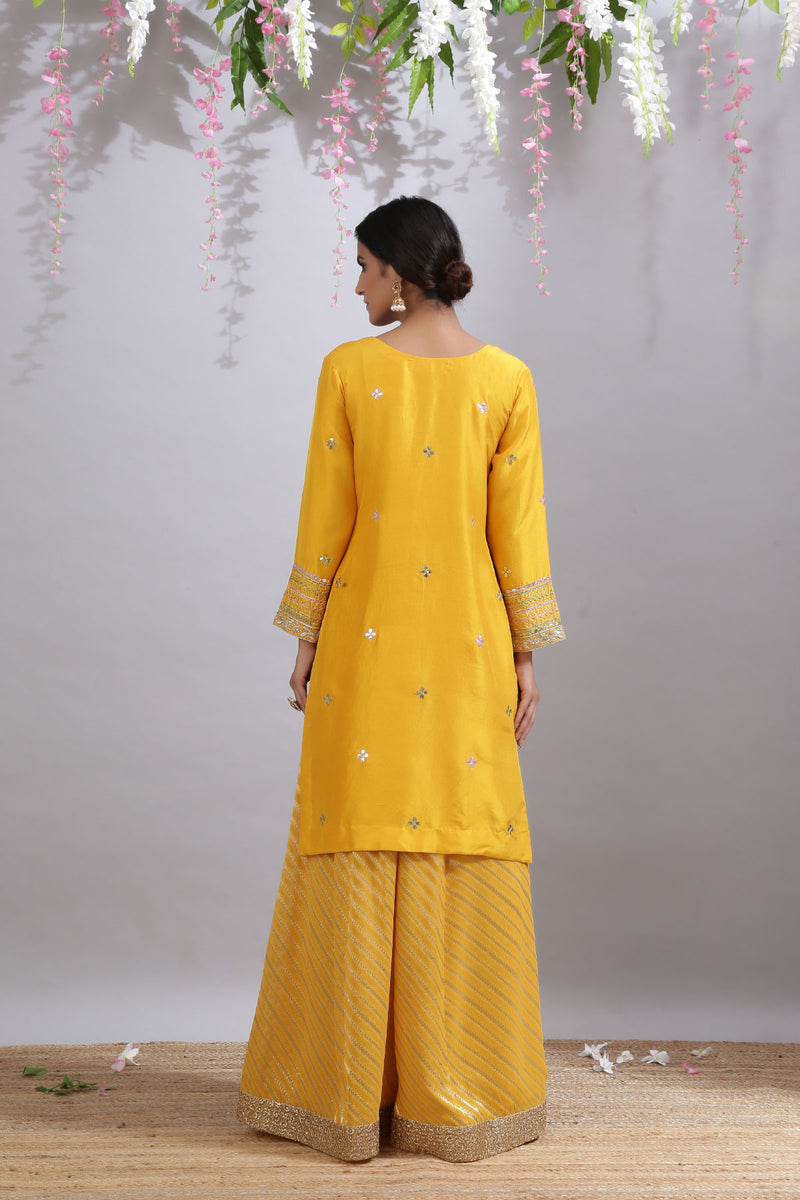Geenda Phool Kurta,Jama and Odhni