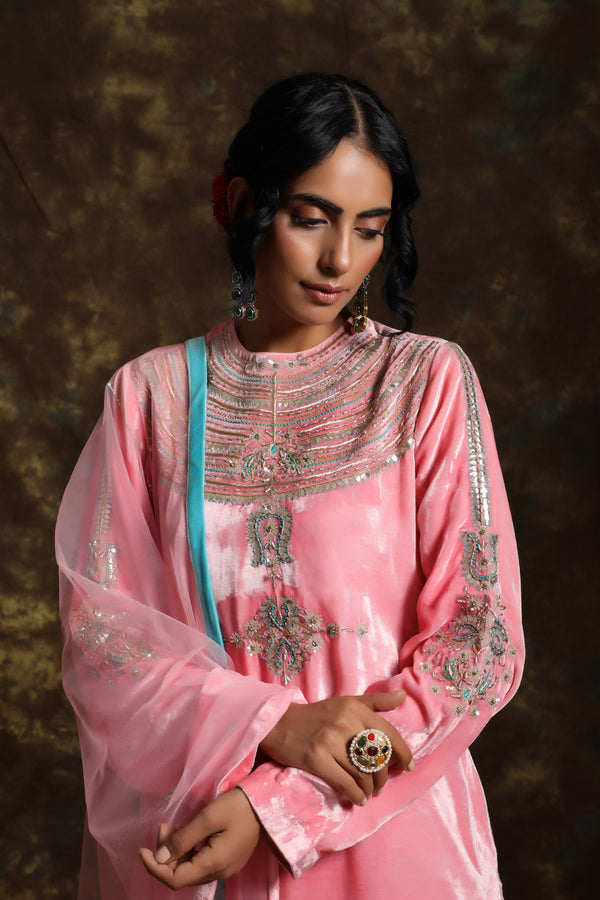 Kamal Velvet Kurta and Having a Net Dupatta with Embroidery Details with Jama