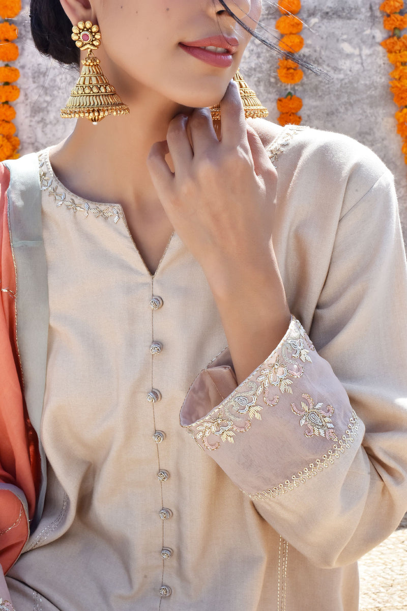 Gehua Lahoriya Botti Kurta with Patalun and Dupatta