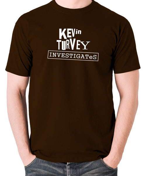 Kevin Turvey Investigates - Rik Mayall - Men's T Shirt - chocolate