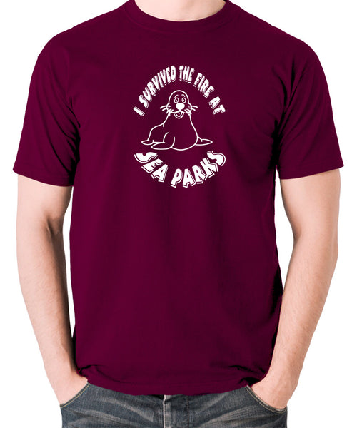 IT Crowd - I Survived The Fire At Seaparks - Men's T Shirt - burgundy