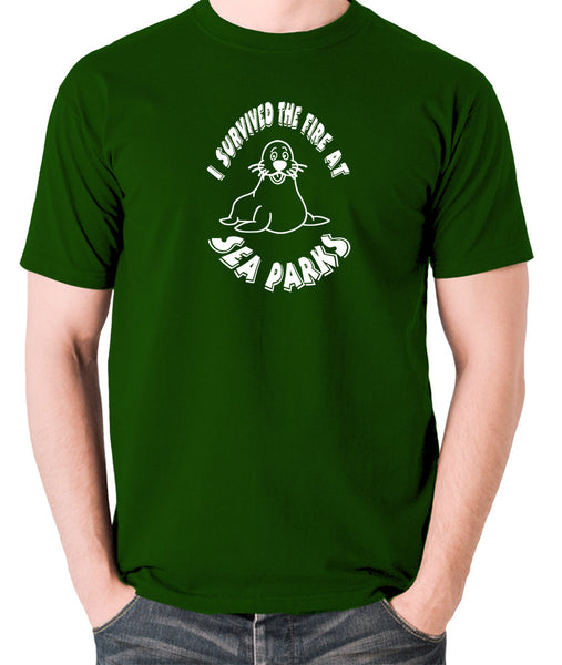 IT Crowd - I Survived The Fire At Seaparks - Men's T Shirt - green