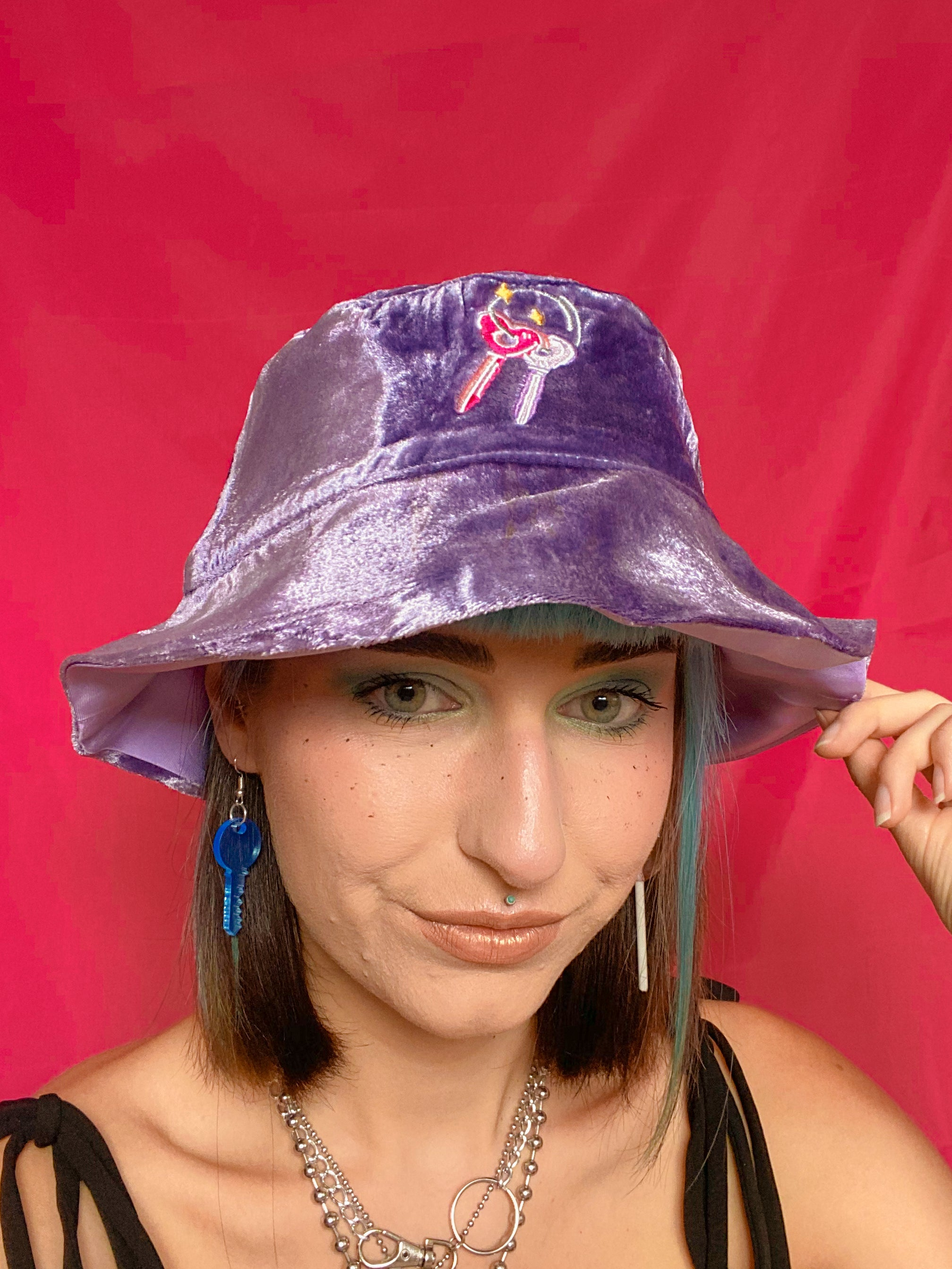 Heart Keys Bucket Hat - Purple Velvet