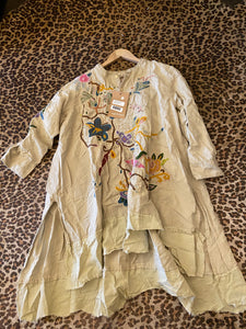 Magnolia Pearl European Linen Embroidered Gypsy Johnny Shirt