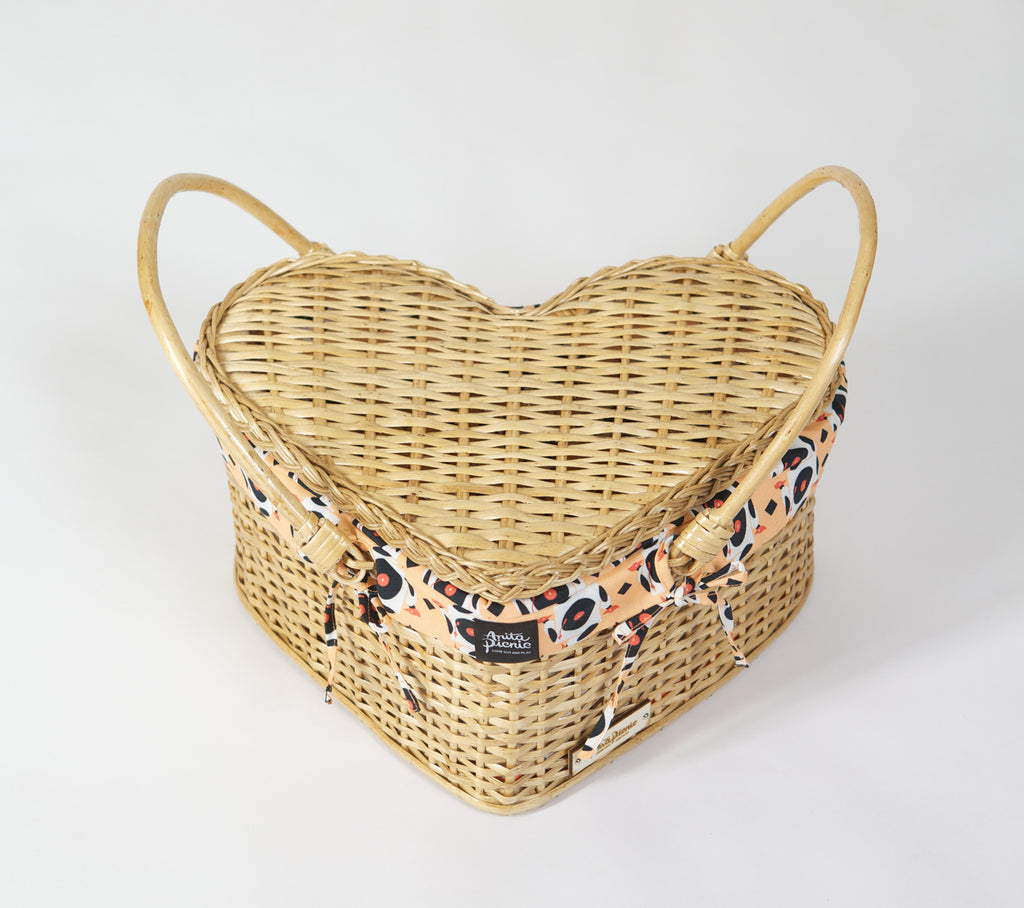 "Heart Basket ""Turntable Woodpecker"""