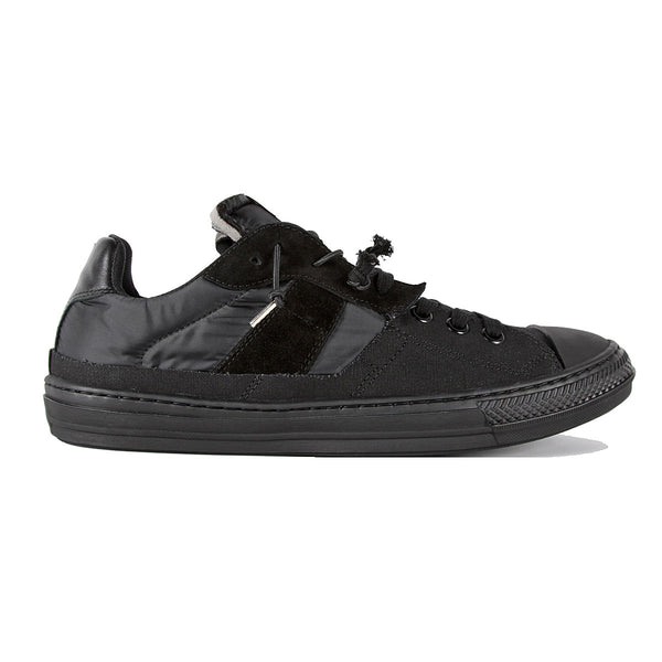 Evolution Low Top Sneaker Black
