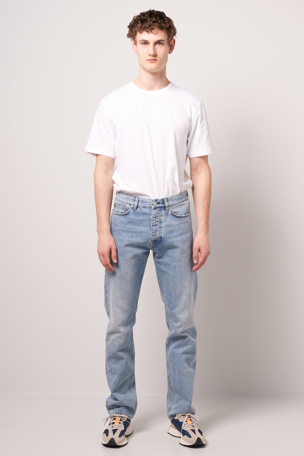 Standard Jeans Light Blue Wash