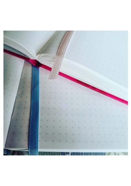 Carmyne's Journal - A5 Notebook - Pink Red - Tomoe River Paper-Notitieboek-DutchMills