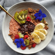 Load image into Gallery viewer, Goji Berry oatmeal bowl