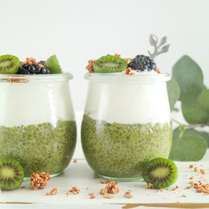 Matcha poeder van Fairy Superfoods in chia pudding