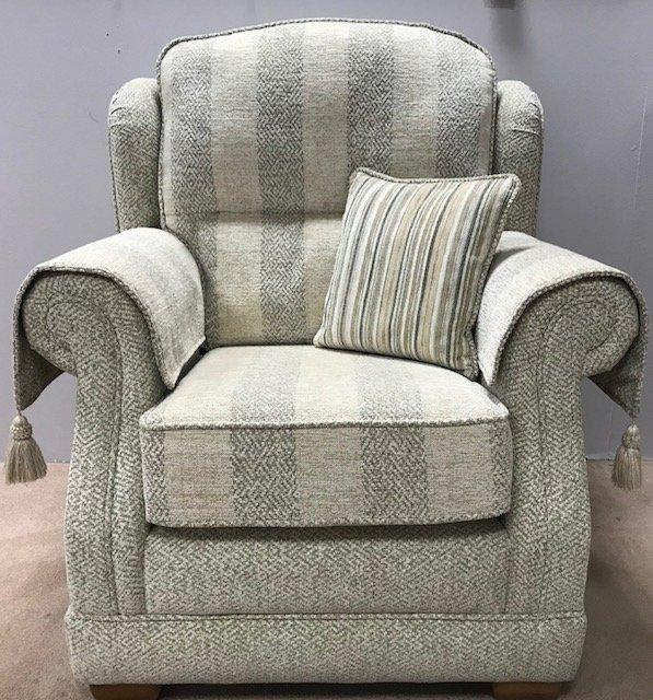 Wentbridge Gents Armchair