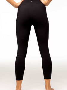 Maya leggings 7/8 black Maha Yogi ethical activewear brand based in Hong Kong sustainable fashion eco living