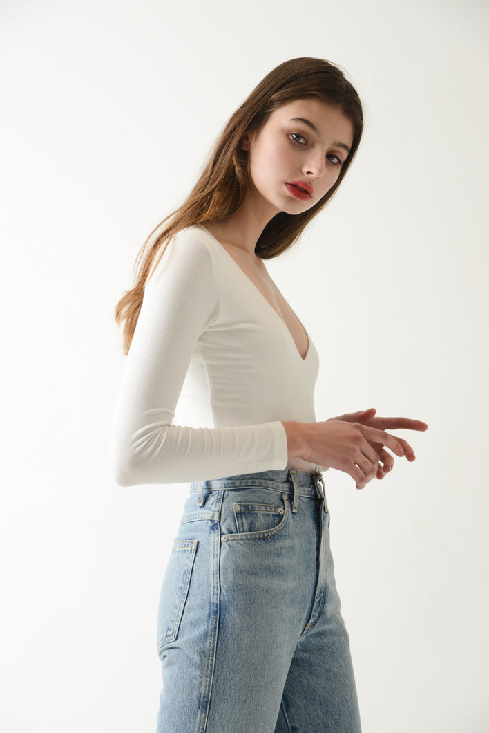 Annibody minimal long sleeve v-Neck Reese bodysuit as seen on Vogue ethical brand based in Hong Kong shop sustainably