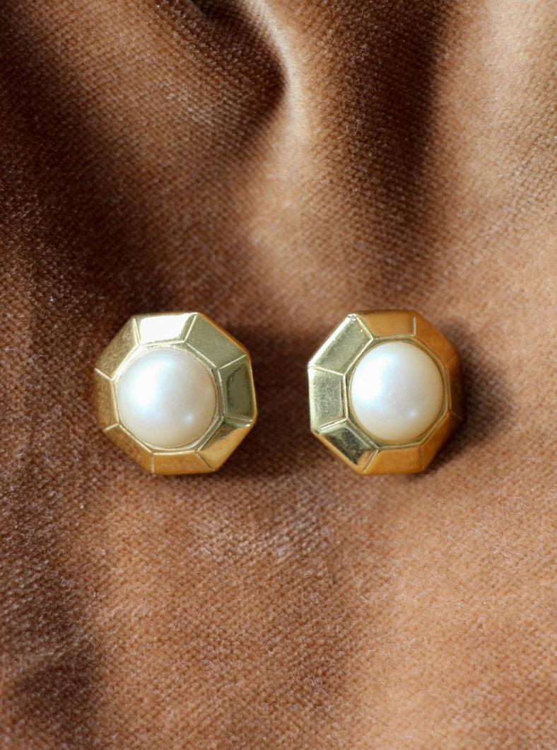 authentic vintage gold tone earrings with pearl