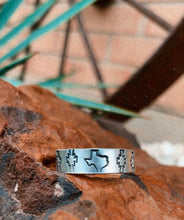 Load image into Gallery viewer, Custom Silver Thin Rings
