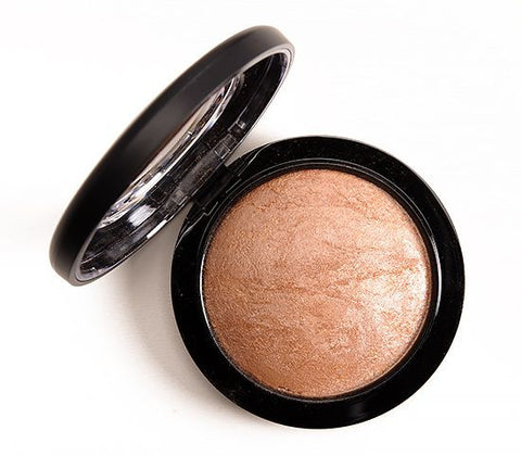 MAC Mineralize Skin Finish - Global Glow