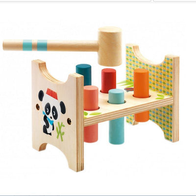 Created by Djeco this nice wooden game is a hammering game perfect to develop moto skills and agility.