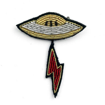 MACON & LESQUOY - Hand embroidered brooch - Flying saucer
