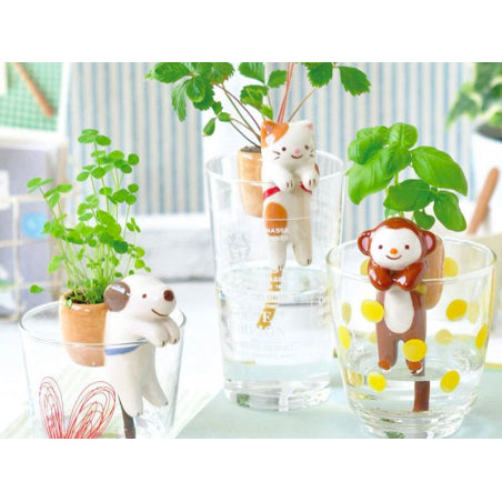 NOTED - Grow your own wild strawberry plant - self-watering cat - cute and fun decorative object