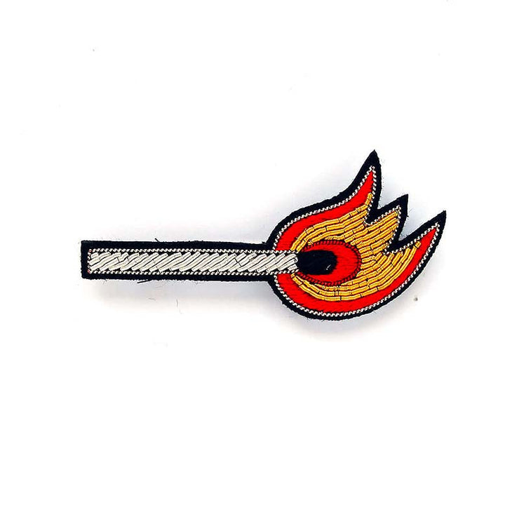MACON & LESQUOY - Hand embroidered brooch - Match