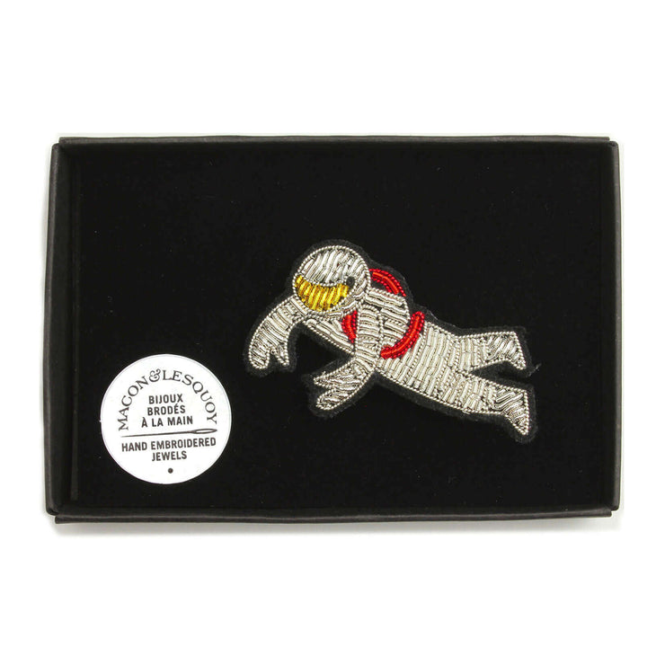 MACON & LESQUOY - Hand embroidered brooch - Cosmonaut - Box