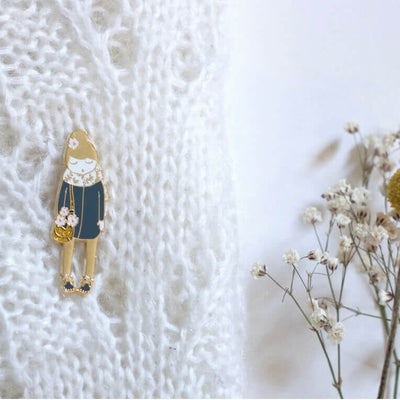 MY LOVELY THING - Metal badge - Flower doll