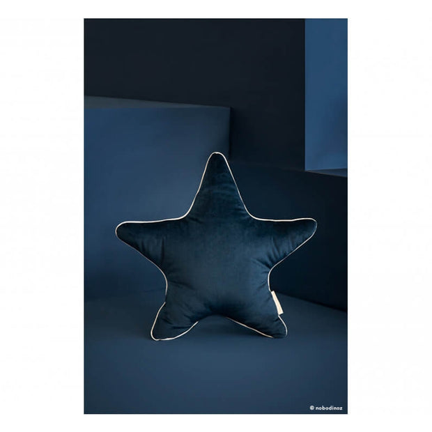 NOBODINOZ - Blue velvet star cushion - Scene