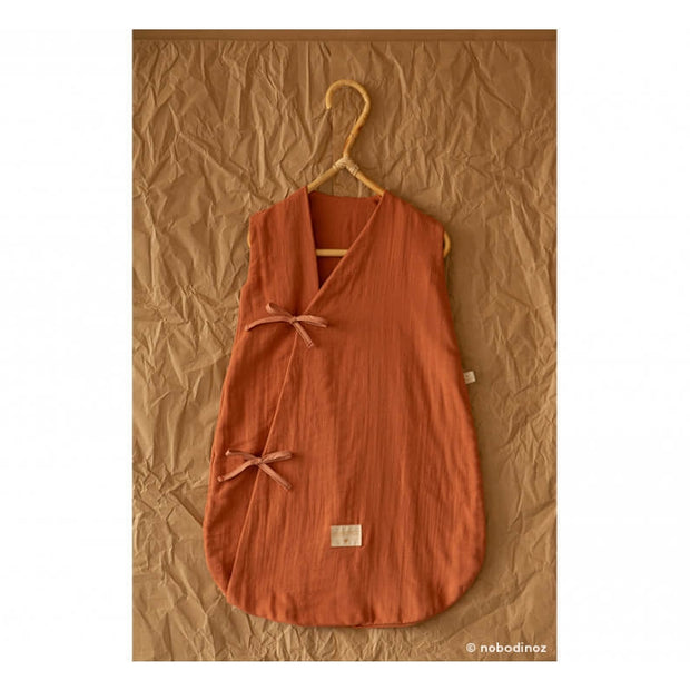 NOBODINOZ - Dreamy sleeping bag - Toffee - Organic cotton - Scene