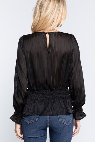 Blouse smockee a manches volantees en lurex 52729a. Disponible sur RACKI.FR, FRANCE.