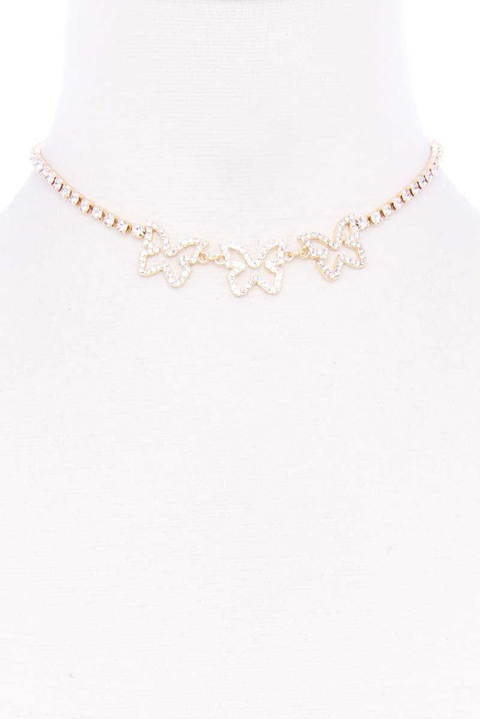 Collier court triple papillon strass 52826. Disponible sur RACKI.FR, FRANCE.