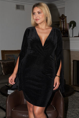 Plus size black glitter strands velvet plunging wrap v neck split evase manches longues detail mini robe 53786. Disponible sur RACKI.FR, FRANCE.