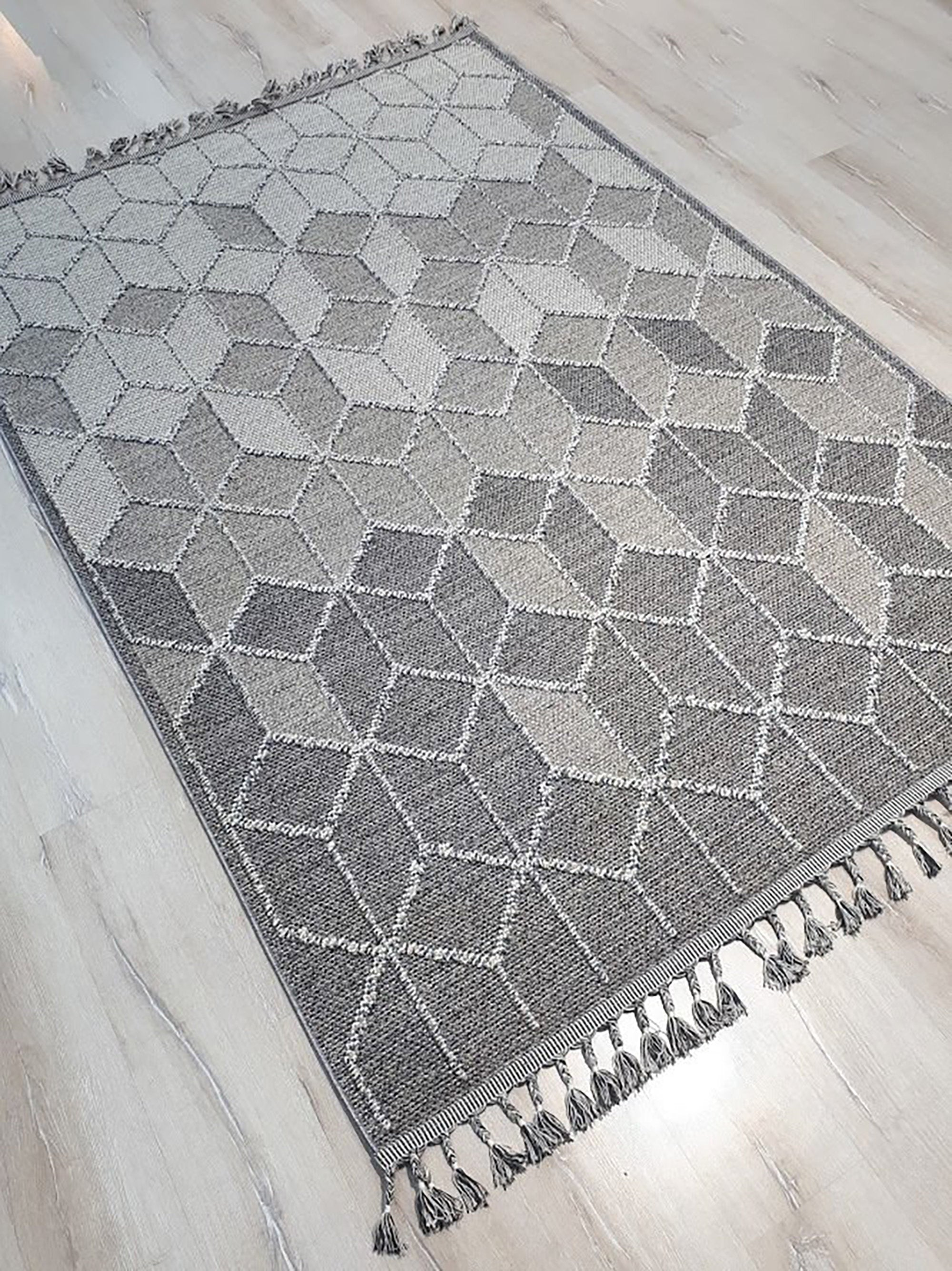 GRI | Kilim Rug, Flatweave, Geometric Modern Turkish Kilim Area Rug, Floor Decor Throw rug with Tassels, Textured, Lattice, Light Gray, Grey