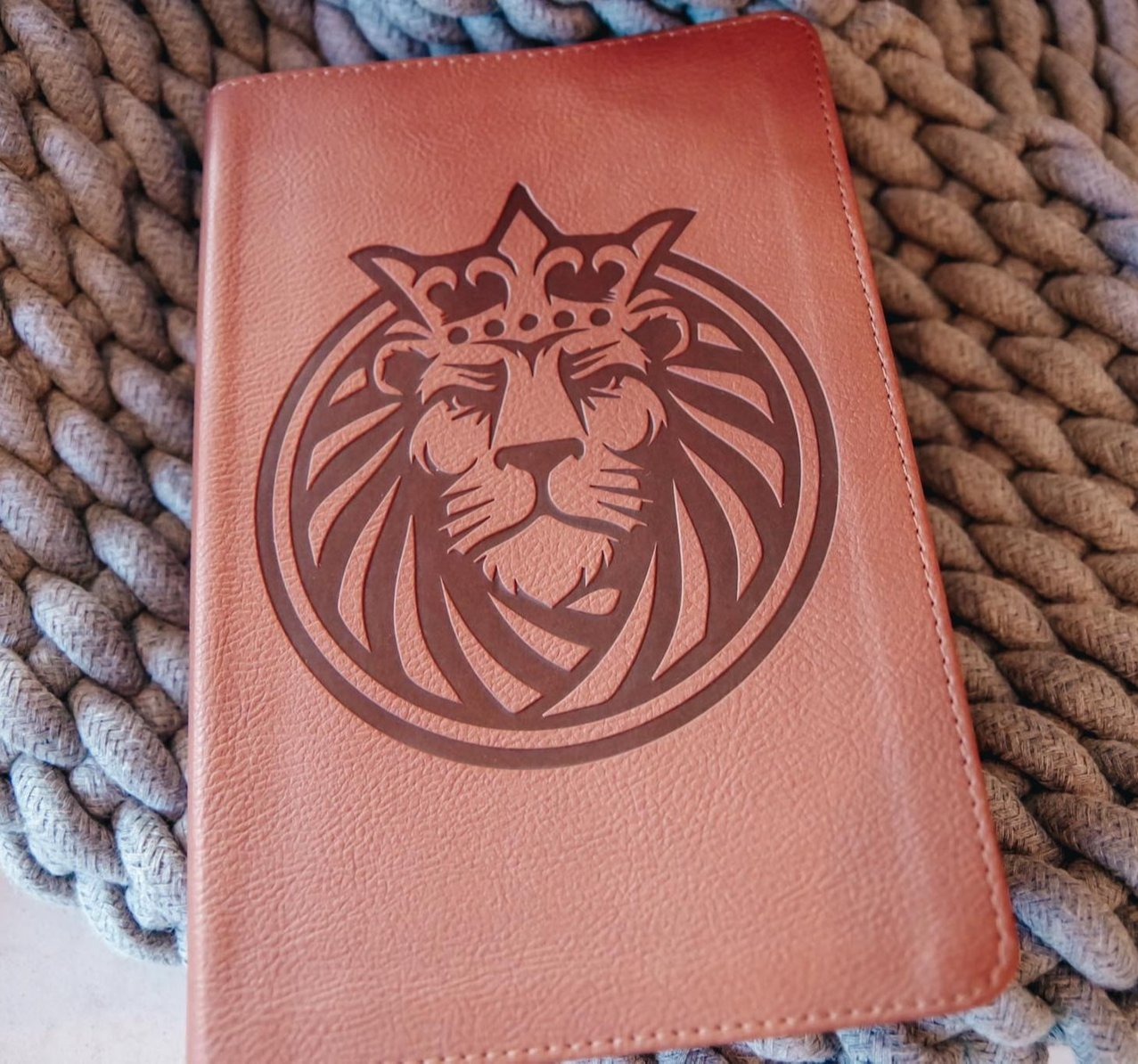 Lion LeatherTouch - Kids Bible