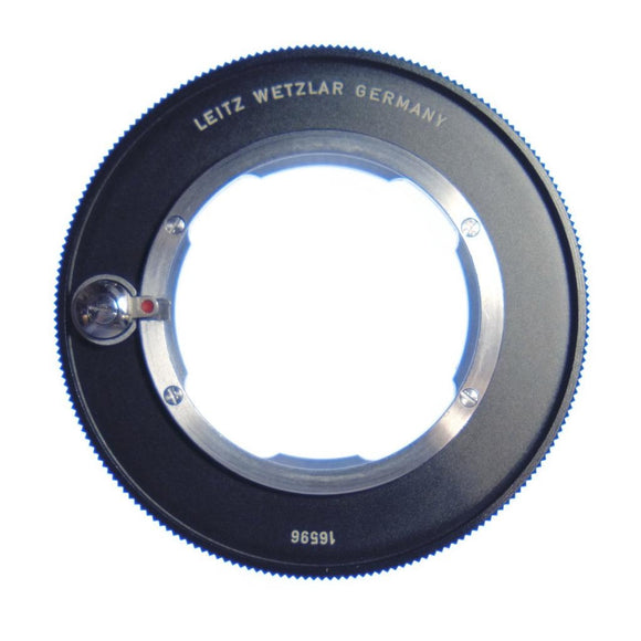 Leitz 16596 M adapter for bellows.