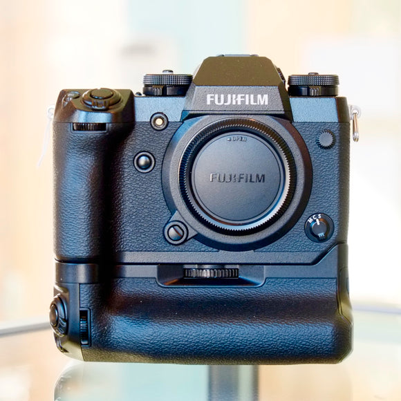 Fujifilm X-H1 with Power Booster Grip VPB-XH1