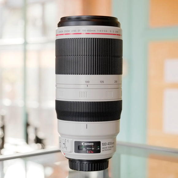 Canon EF 100-400mm f/4.5-5.6L IS II USM.