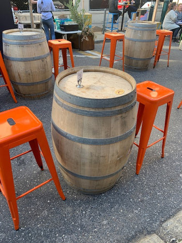 Oyster House Philadelphia outdoor dining tables and chairs