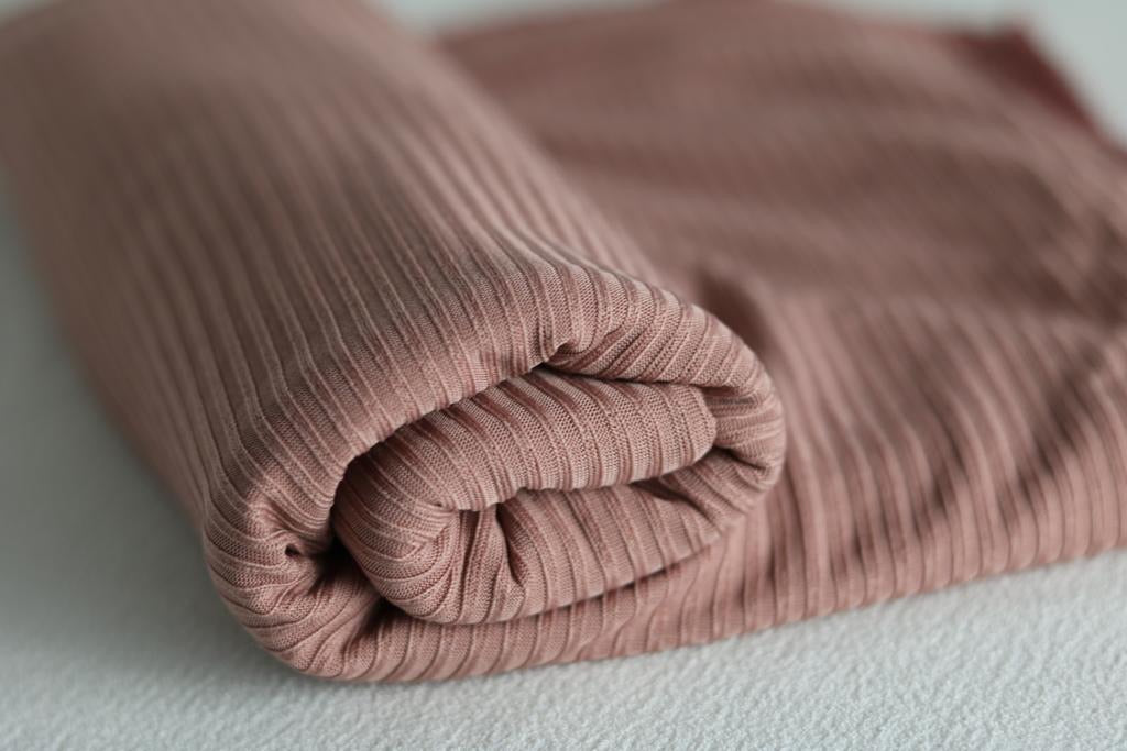 Pink ribbed jersey scarves